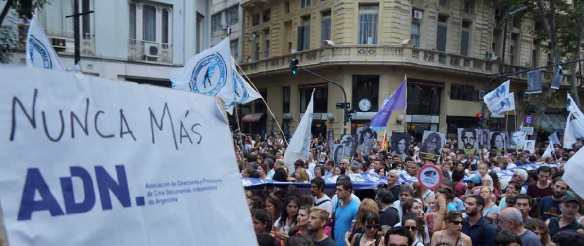 A 40 años del golpe, #NUNCAMAS